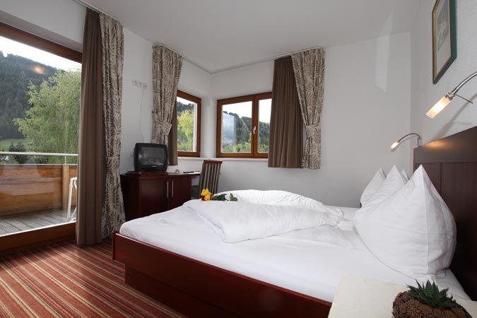 Camera Da Letto Con Divano Letto : Interno del monolocale con divano letto foto di casa vacanze